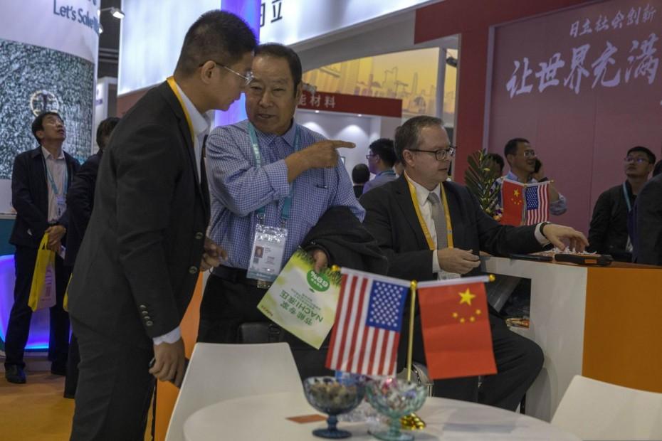 «Παγώνει» το χρονόμετρο για εμπορική συμφωνία το Πεκίνο