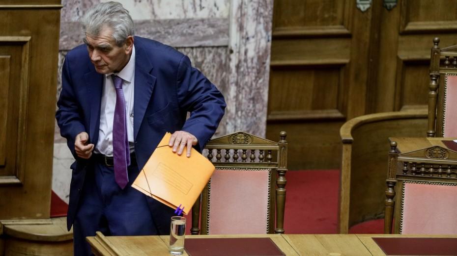 Ο Παπαγγελόπουλος ζητά εξαίρεση 3 βουλευτών από την προανακριτική