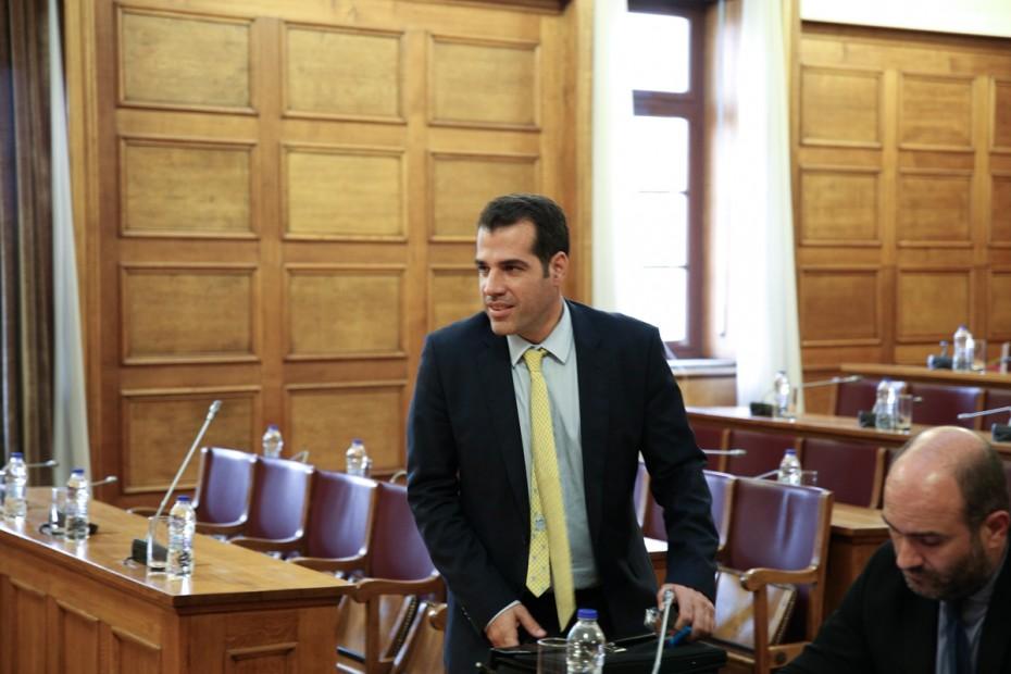 «Άκυρο» στην εξαίρεση 3 βουλευτών από την προανακριτική για Παπαγγελόπουλο