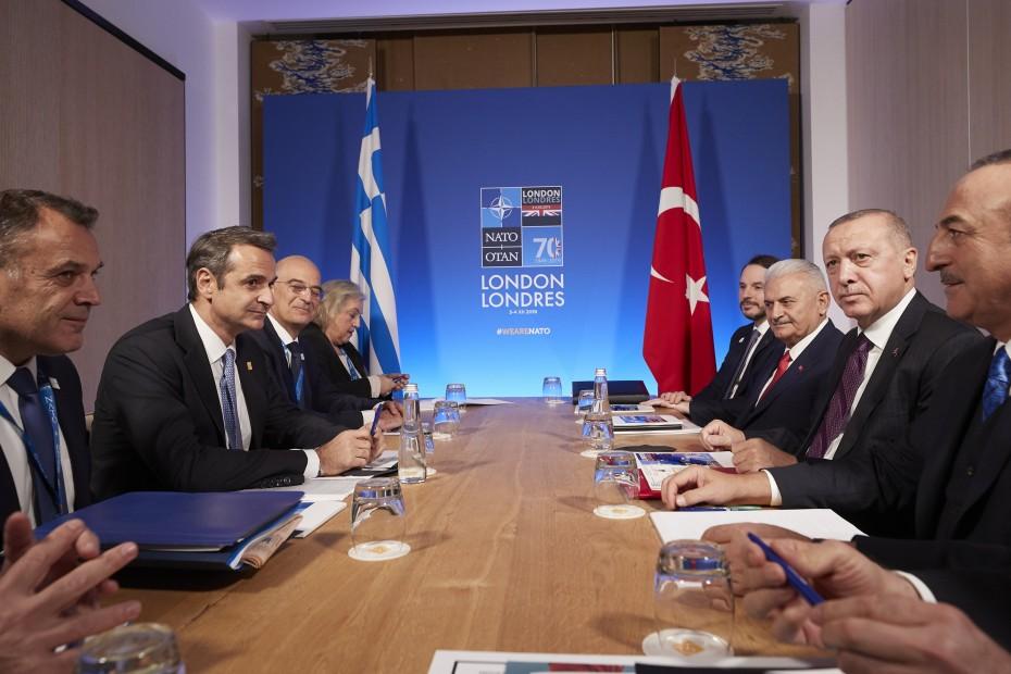Περίπου 1,5 ώρα η συνάντηση Μητσοτάκη με Ερντογάν