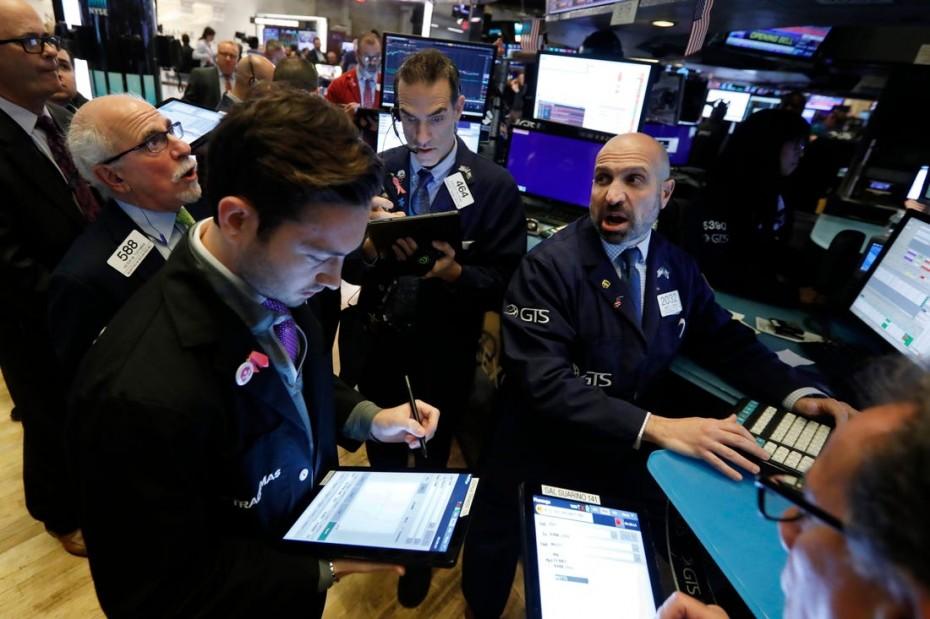 «Πανικός» στη Wall Street, μετά τις εμπορικές απειλές του Τραμπ