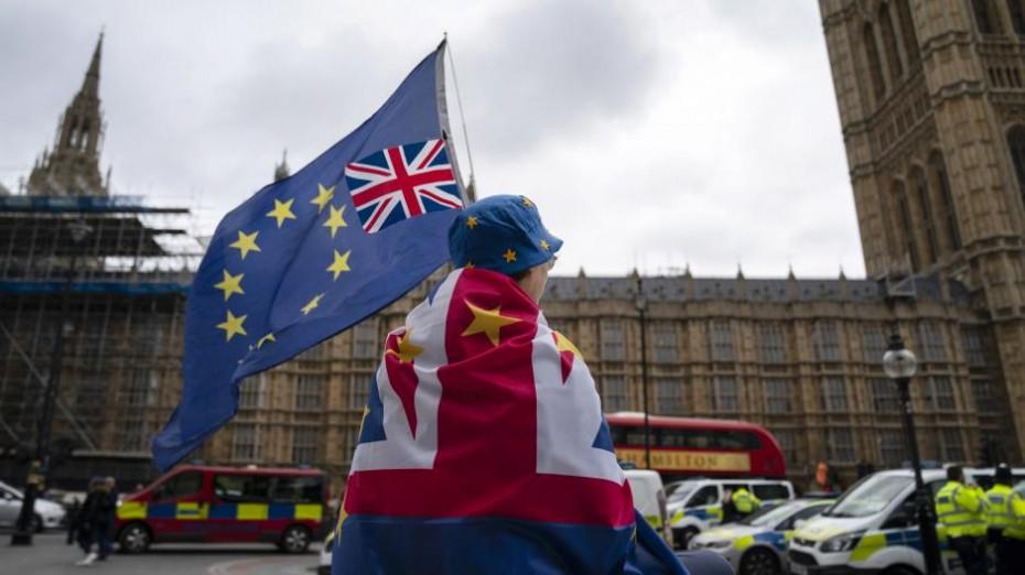 Επιτέλους, επίσημα νόμος της Βρετανίας το Brexit