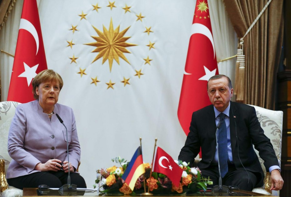 Στην Τουρκία την Παρασκευή η Μέρκελ - Στο επίκεντρο η Λιβύη