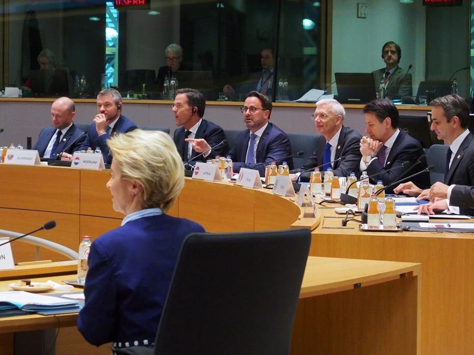 «Δύσκολη» για όλους η Σύνοδος Κορυφής, μεταφέρει ο Μητσοτάκης