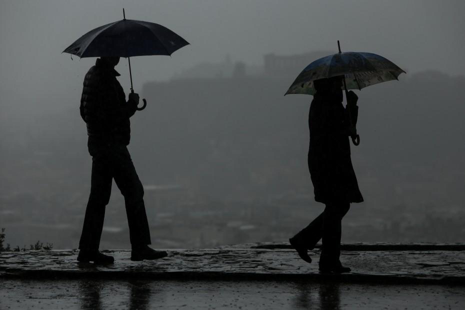 Καιρός: Μετά τις λιακάδες... βροχές, καταιγίδες και πολλά μποφόρ