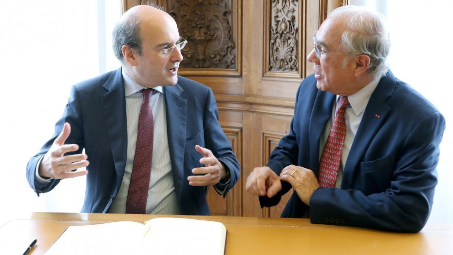 Ο Χατζηδάκης παρουσίασε την «πράσινη ατζέντα» της Ελλάδας στον ΟΟΣΑ