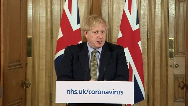 Επιτέλους, η Βρετανία κλείνει τα σχολεία λόγω του κοροναϊού