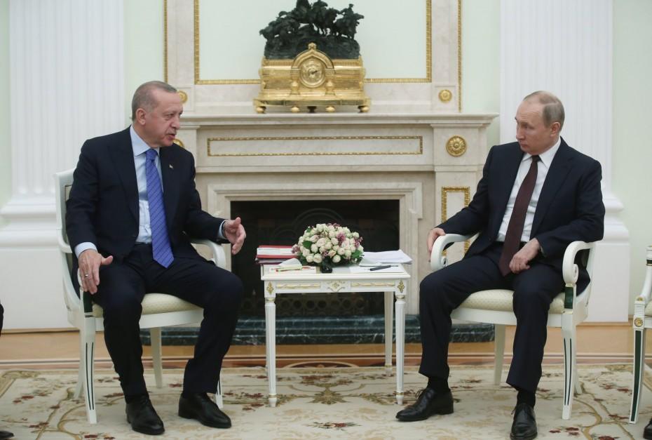 Σε τεταμένο κλίμα η συνάντηση του Ερντογάν με τον Πούτιν για τη Συρία