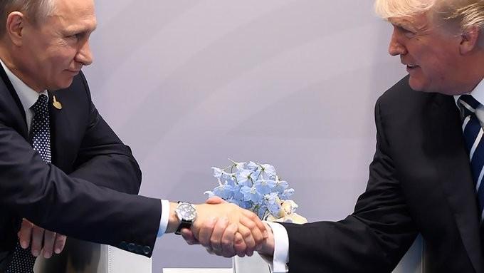 Επικοινωνία Τραμπ - Πούτιν για τις τιμές του πετρελαίου