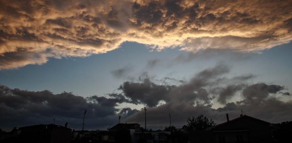 Ο καιρός σήμερα: Συννεφιά, βροχές και καταιγίδες
