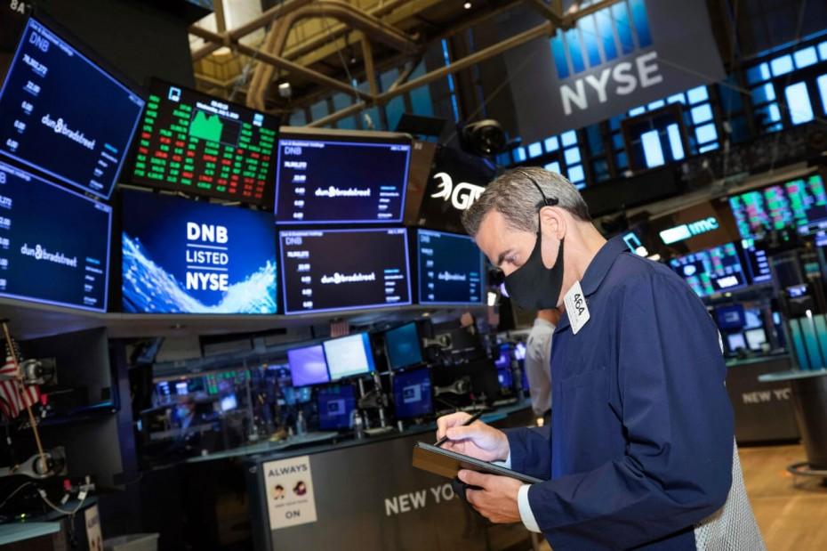 Άτακτη υποχώρηση στη Wall Street, μετά από τον Τραμπ και το ΑΕΠ