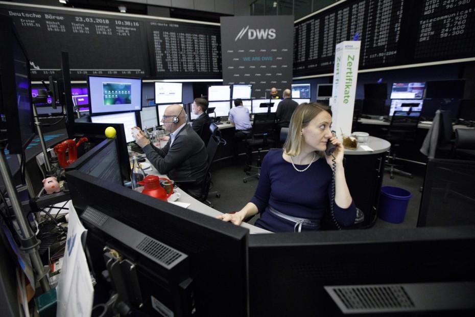 Στο «κόκκινο» το τέλος του Ιουλίου για τις ευρωαγορές