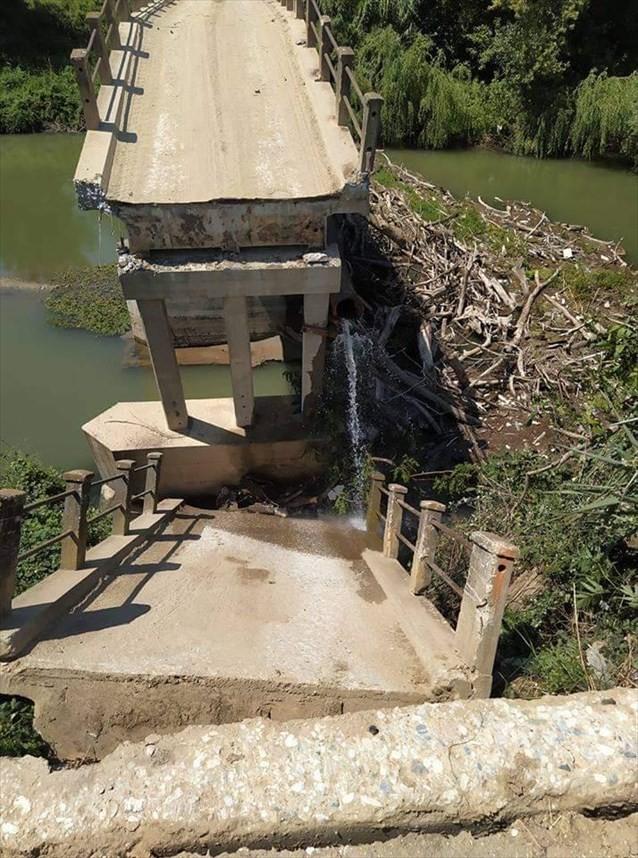 Σέρρες: Κατέρρευσε τμήμα παλιάς γέφυρας στον Αγγίτη