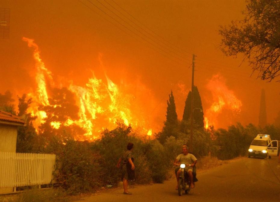 Πυρκαγιές: Εκκένωση χωριού στην Ηλεία -