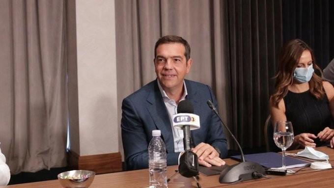 Πυρά Τσίπρα κατά της κυβέρνησης για κορονοϊό και ύφεση