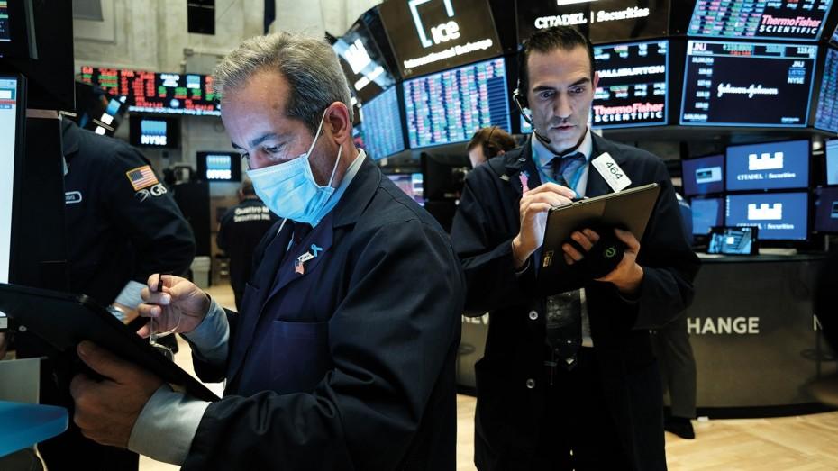 Στάση αναμονής στη Wall Street την Πέμπτη, με την προσοχή στην Ουάσιγκτον
