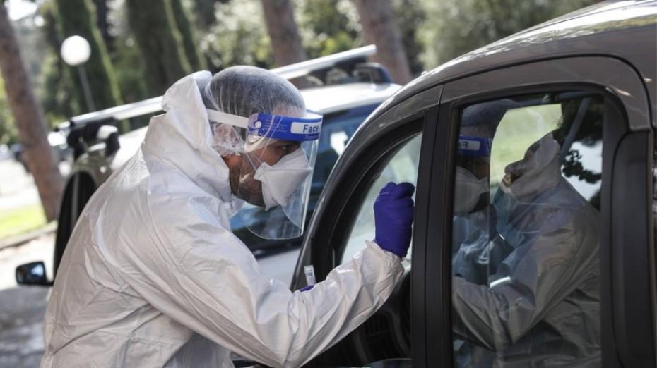 Ξεπέρασαν τα 10.000 τα νέα κρούσματα του κορονοϊού στην Ιταλία