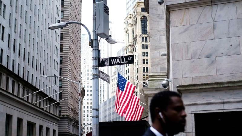 «Πυρετός» κορονοϊού και αμερικανικών εκλογών στη Wall Street