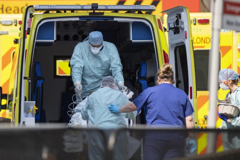Πάνω από 20.000 τα νέα κρούσματα κορονοϊού στη Βρετανία