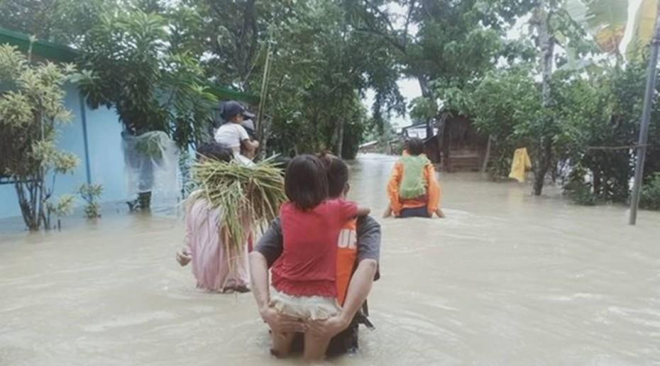 Φιλιππίνες: Πάνω από 70.000 άνθρωποι εγκαταλείπουν τις οικίες τους λόγω φονικού τυφώνα