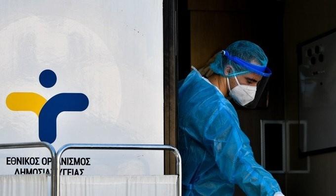 Ακόμα 19 κρούσματα σε rapid test στην πλατεία Βικτωρίας