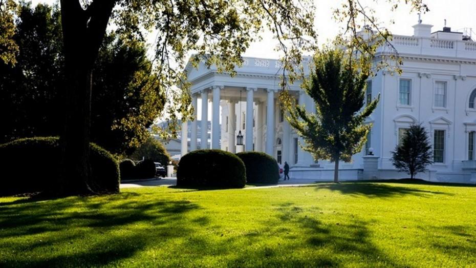 Σε «θολά νερά» για το πακέτο τόνωσης της αμερικανικής οικονομίας