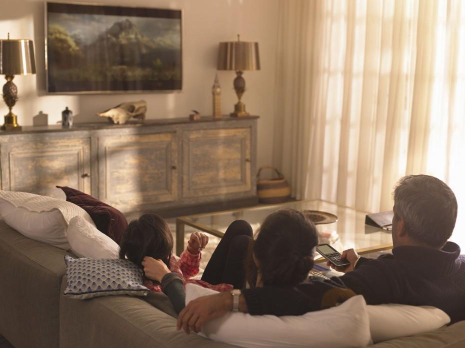 Lockdown: Κανονικά η λειτουργία της τηλεόρασης με «ευλογία» της κυβέρνησης