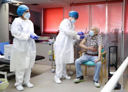 Πάνω από 50.000 οι νεκροί από τον κορονοϊό στην Ισπανία