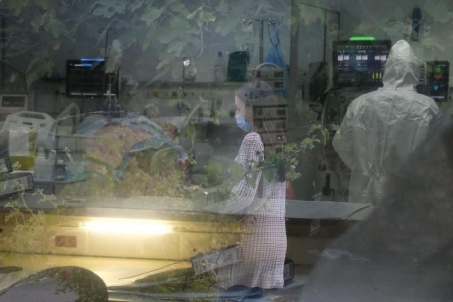 Στα 1.882 τα νέα κρούσματα κορονοϊού στην Ελλάδα - Πάνω από 620 οι διασωληνωμένοι