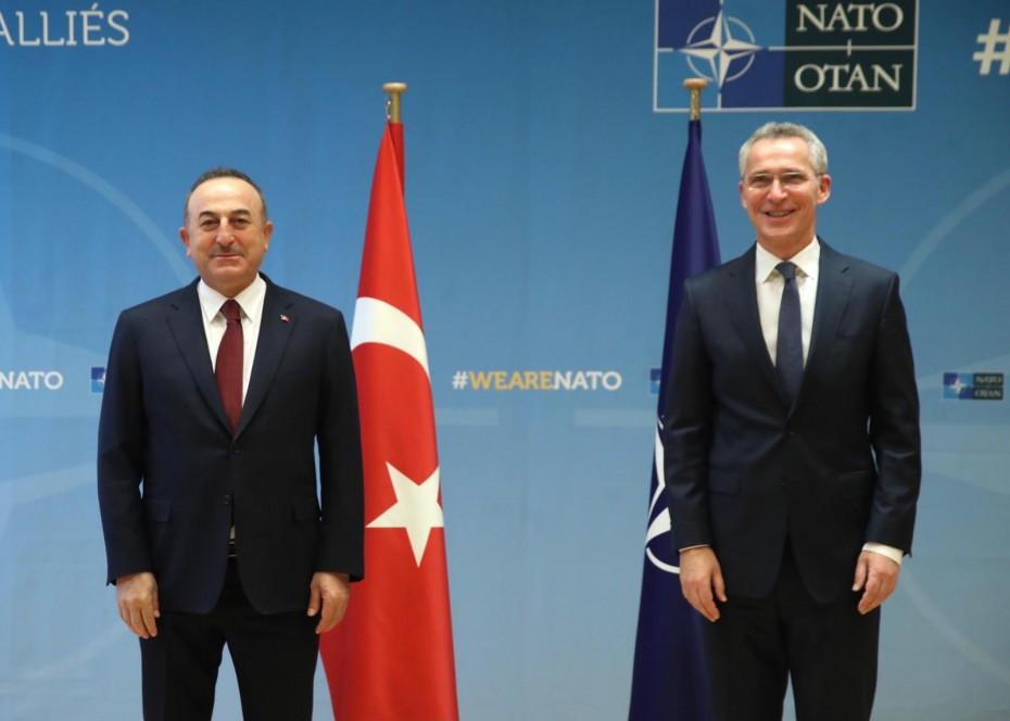 Οι διερευνητικές Ελλάδας - Τουρκίας στη συνάντηση Τσαβούσογλου με Στόλτενμπεργκ