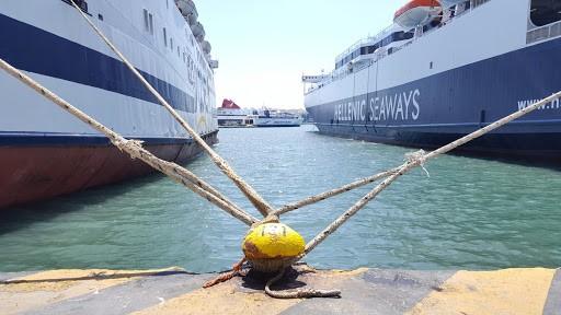 Δεμένα τα πλοία στα λιμάνια  23 και 24 Φεβρουαρίου λόγω 48ωρης απεργίας