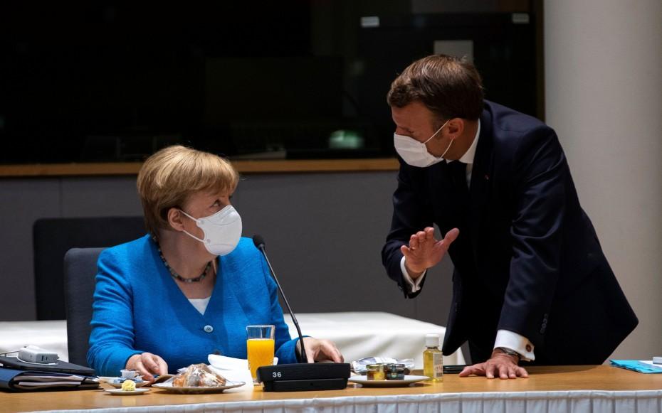 «Χαραμάδα» συνεργασίας για τα εμβόλια άνοιξαν Μέρκελ-Μακρόν με Πούτιν