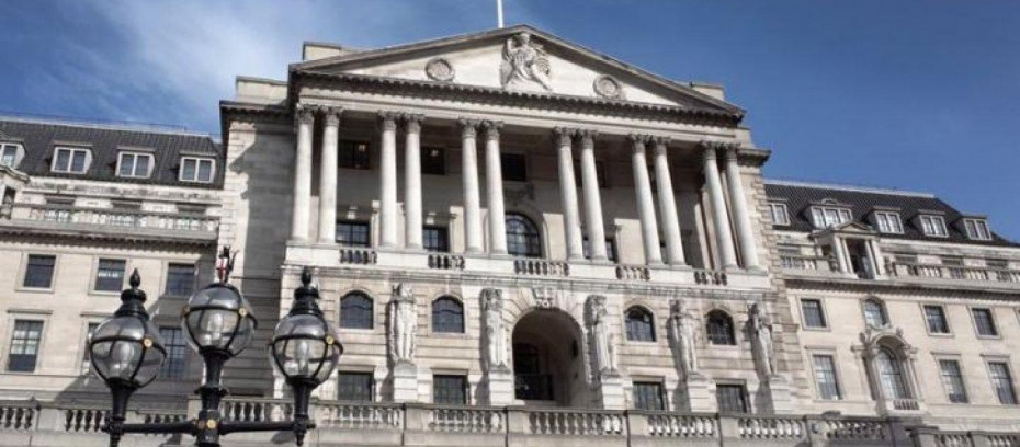 Η BoE επιβραδύνει τον ρυθμό αγορών ομολόγων
