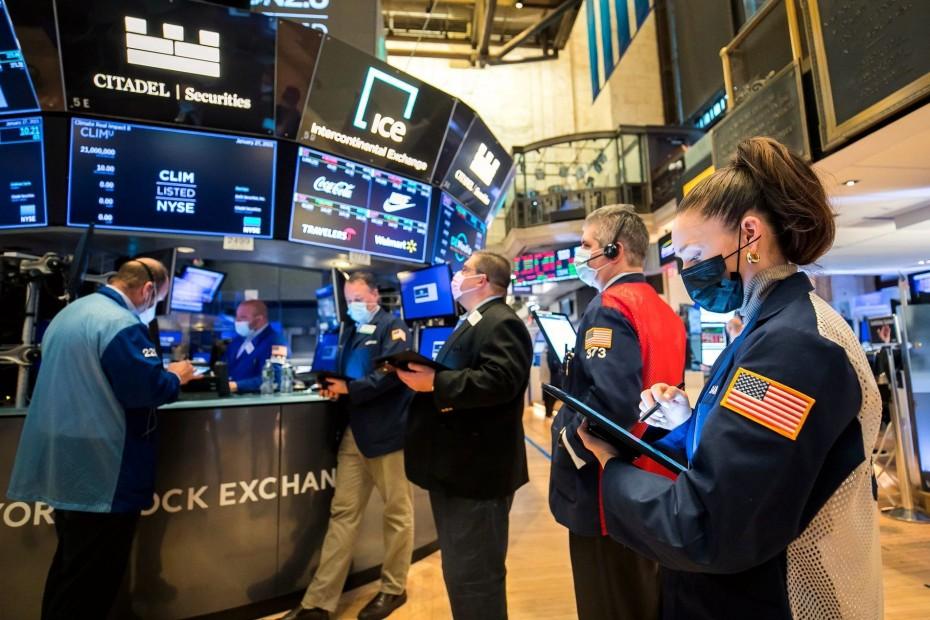 Ανακάμπτει η Wall Street μετά το sell off