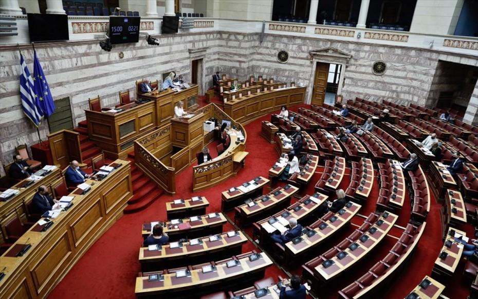 Βουλή- Εργασιακό:«Διασταύρωσαν τα ξίφη τους» οι εισηγητές των κομμάτων