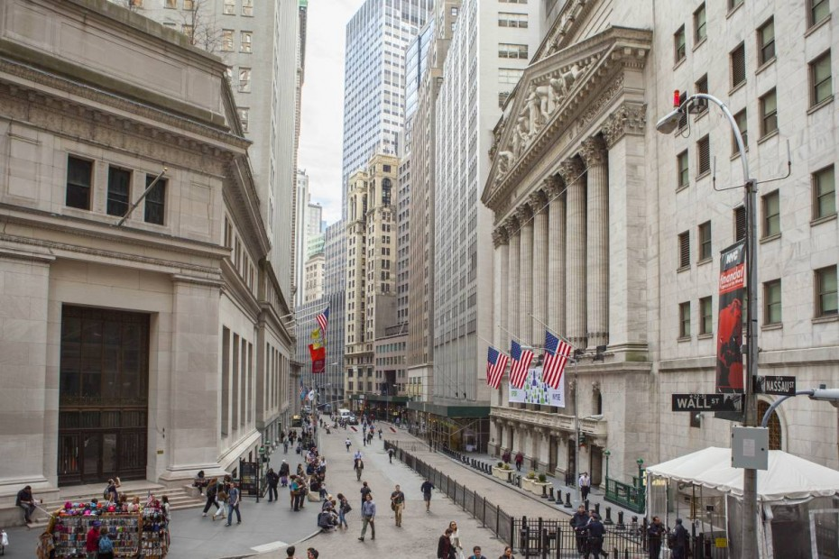 Νηνεμία στη Wall Street μετά τα χθεσινά κέρδη