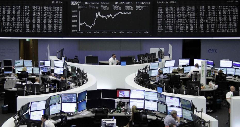 Μικρές απώλειες για τις ευρωαγορές- Άλμα για τον κλάδο των υπηρεσιών