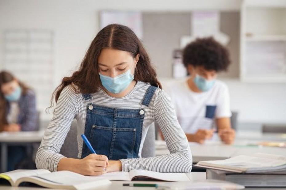 Πανελλαδικές με self-test και λήξη σχολικής χρονιάς για μαθητές γυμνασίου - λυκείου