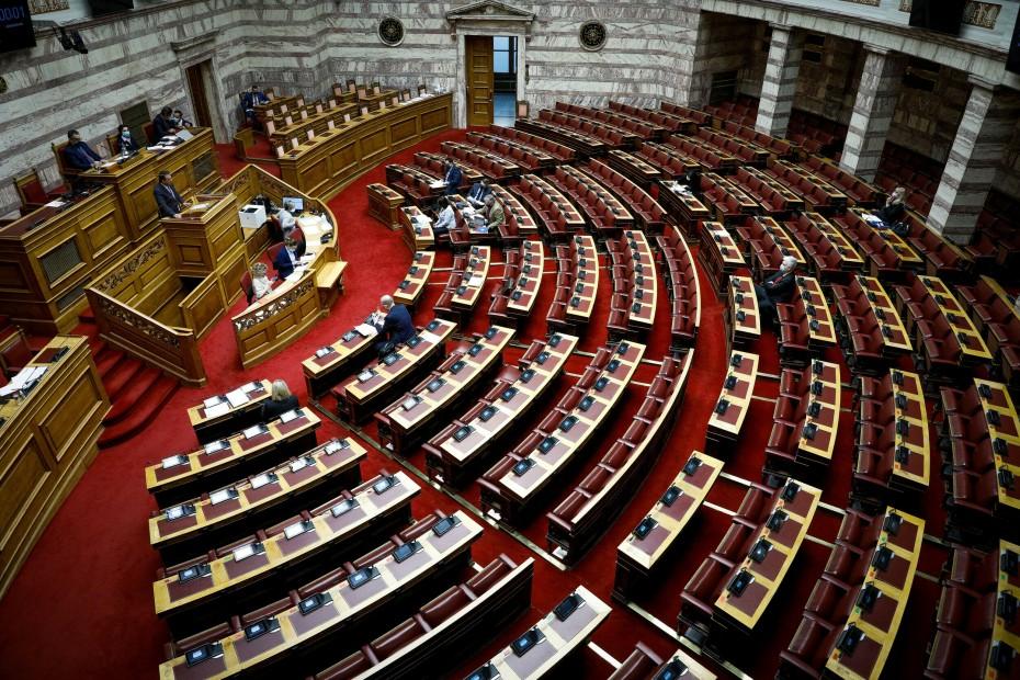 Βουλή: Υπερψηφίστηκε κατά πλειοψηφία το νομοσχέδιο για την ασφαλιστική μεταρρύθμιση για την νέα γενιά