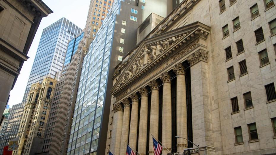 Wall Street: Κέρδη με φόντο τα μάκρο
