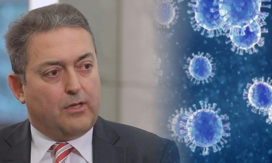 Θ. Βασιλακόπουλος: Σε παιδιά και ανεμβολίαστους πολλαπλασιάζεται ο ιός αθροίζοντας μεταλλάξεις