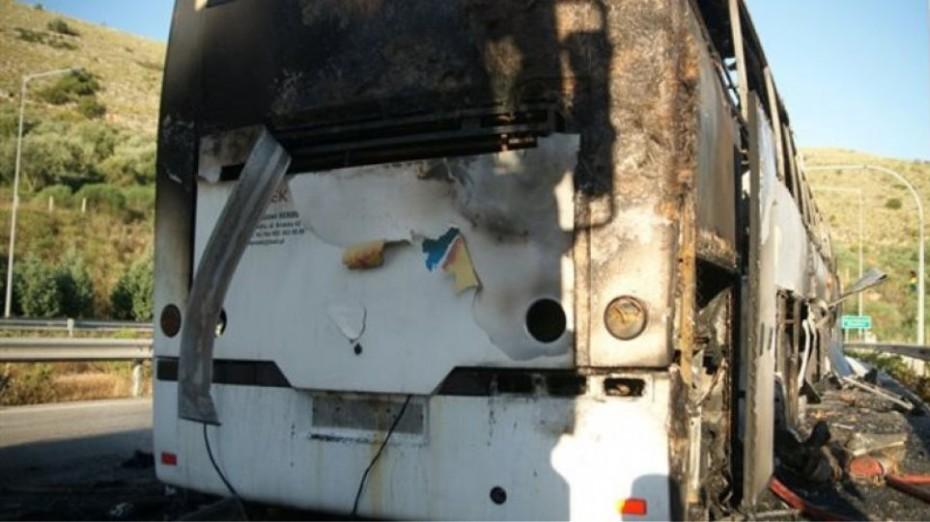 Θεσσαλονίκη: Καλά στην υγεία τους οι επιβάτες τουριστικού λεωφορείου, στο οποίο εκδηλώθηκε φωτιά