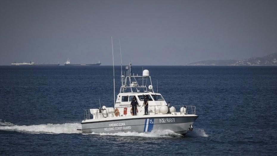 Επιχείρηση διάσωσης τουριστικού σκάφους που εξέπεμψε SOS στον Ευβοϊκό