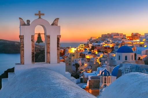 2,8 εκατ. οι τουρίστες στην Ελλάδα τον Ιούλιο