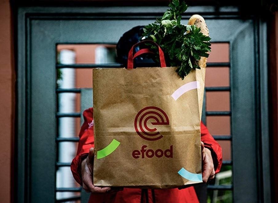 Τα «γυρνάει» η efood: Δυνατότητα επιλογής του εργασιακού καθεστώτος οι 115 διανομείς