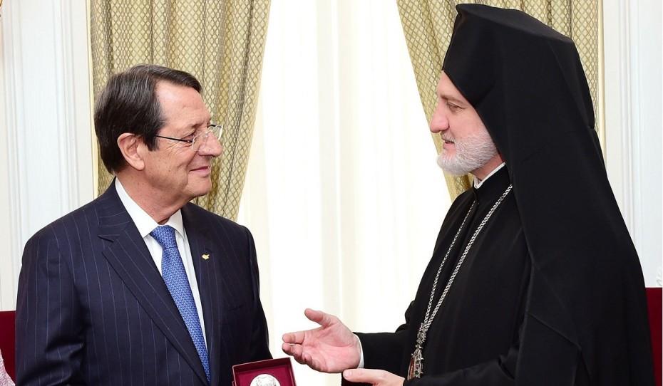 Ν. Αναστασιάδης για Αρχιεπίσκοπο Αμερικής: Το ελληνικό DNA δεν αλλοιώνεται