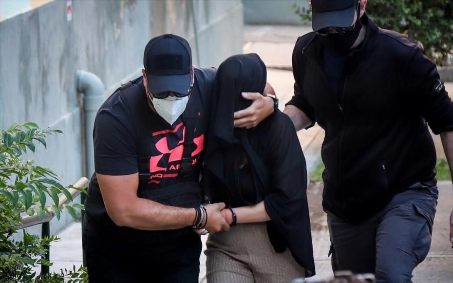 Ξεκινά η δίκη για την υπόθεση με βιτριόλι: Στο δικαστήριο η Ιωάννα Παλιοσπύρου