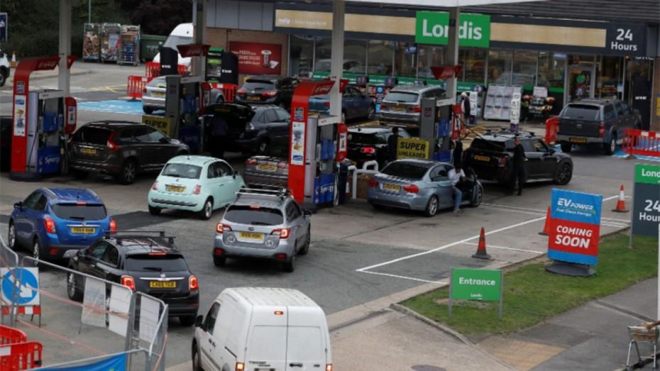 Μ.Βρετανία: «Παράθυρο» σε νέα μέτρα κατά της κρίσης στα καύσιμα