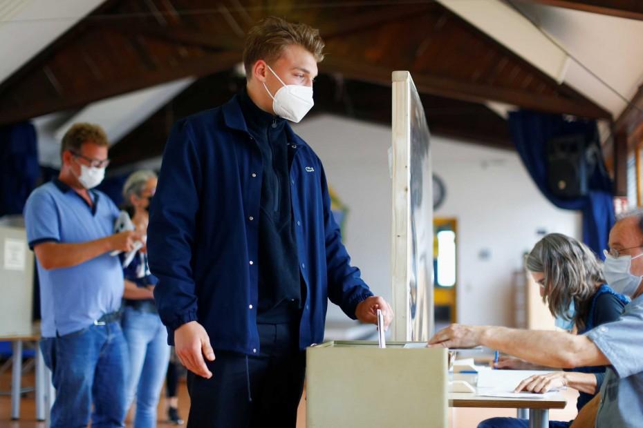 Γερμανία: Μεγαλύτερη του 2017 η συμμετοχή στις κάλπες