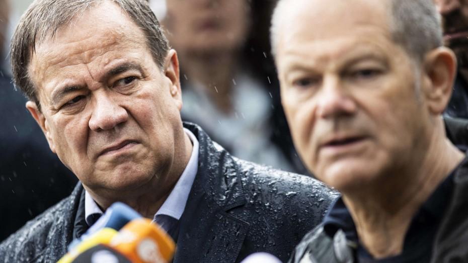 Γερμανικές εκλογές: Στο «φώτο φίνις» πριν τις κάλπες οι δύο υποψήφιοι